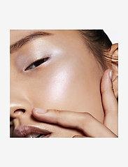 M.A.C. - Hyper Real Glow Palette Get Lit - highlighter - get lit - 3