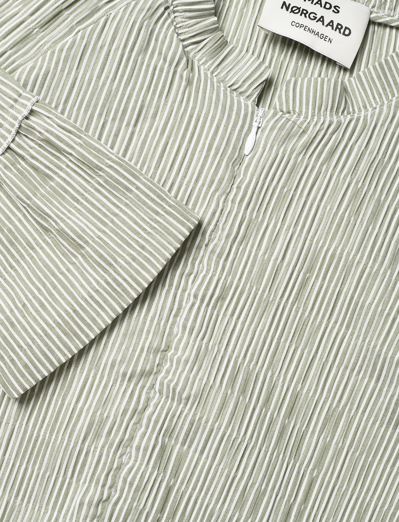 Crinckle Pop Dupina (Army/white) (139 €) - Mads Nørgaard IDVMz