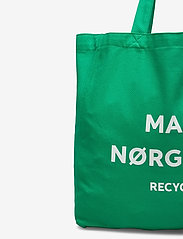 Mads Nørgaard - Recycled Boutique Athene - casual shoppers - signal green/white - 3