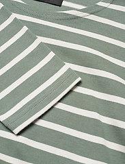 Mads Nørgaard - Picasso Tash Long - long-sleeved t-shirts - sea spray/white alyssum - 2