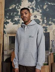 Mads Nørgaard - New Standard Hoodie Logo - basic sweatshirts - grey melange - 0