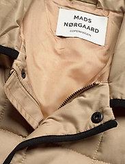 Mads Nørgaard - Duvet Dream Celestine - quiltede jakker - warm beige - 2