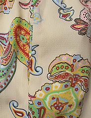 Mads Nørgaard - Neo Paisley Creamy - jumpsuits - paisley - 4