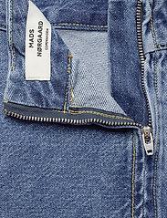Mads Nørgaard - Heavy Indigo Stelly - jeansowe spódnice - worn stone - 4
