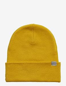 Isak Ambas - beanies - warm yellow