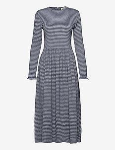 Flexi Pop Docca - midi kjoler - navy/white