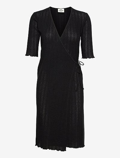 Pointella Dalis - midi dresses - black