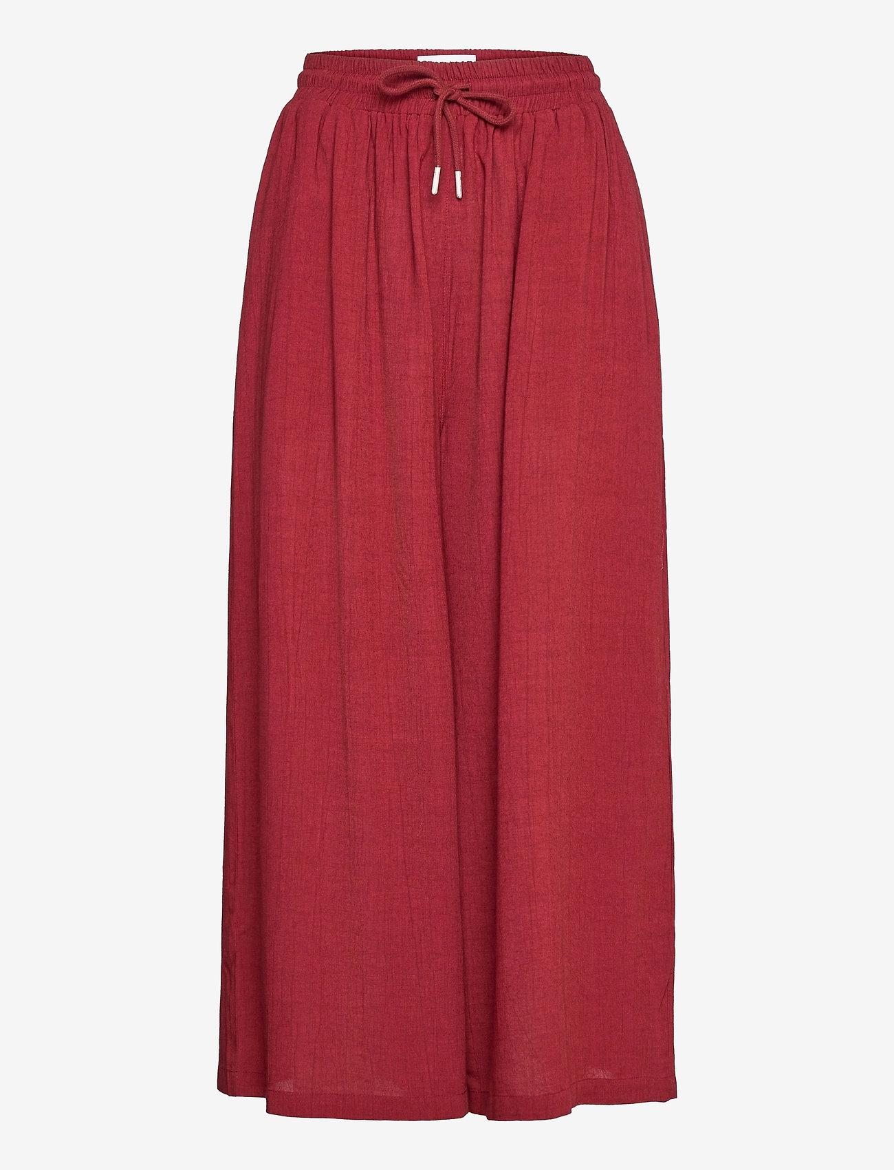 Makia - Geira Pants - bukser med brede ben - ruby - 1