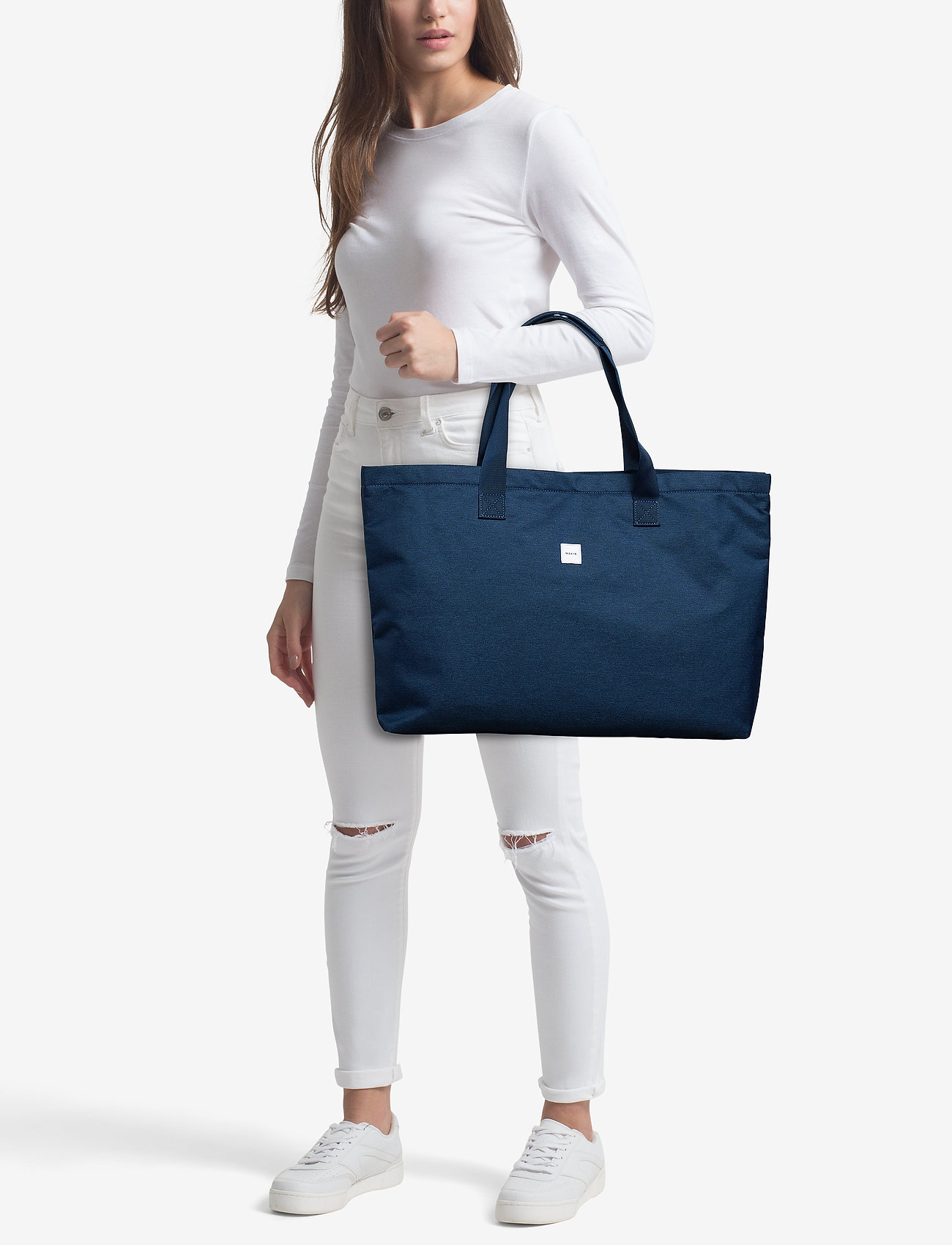 Makia Day Tote - NAVY
