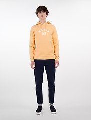 Makia - Brand Hooded Sweatshirt - hoodies - peach - 0