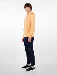 Makia - Brand Hooded Sweatshirt - hoodies - peach - 3