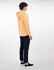Makia - Brand Hooded Sweatshirt - hoodies - peach - 4