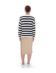 Makia - Willow Knit - trøjer - navy-white - 4