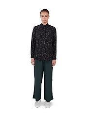 Makia - Mist Shirt - långärmade skjortor - black hay - 0
