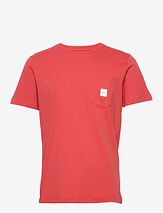 SQUARE POCKET T-SHIRT - kortærmede t-shirts - red