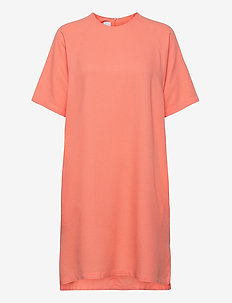 Island Dress - sukienki do kolan i midi - peach