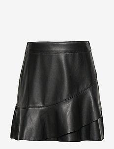 Fluted hem skirt - BLACK