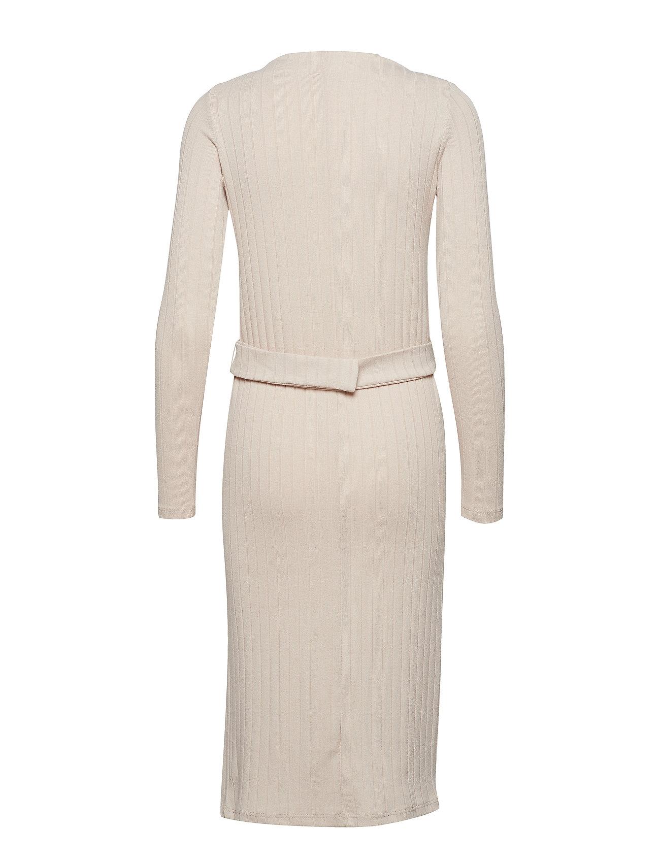 4e07dca29b94 Sort Mango Belt Ribbed Dress strikkjoler for dame - Pashion.dk