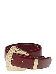 Embossed buckle belt - RED