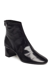 Heel leather ankle boot - BLACK