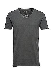 T-shirt, short sleeve, v-neck - MANGROVE