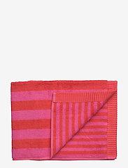 Marimekko Home - KAKSI RAITAA GUEST TOWEL - hand towels & bath towels - red, red - 0