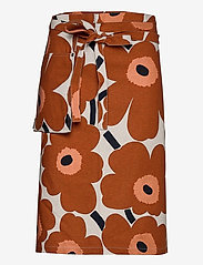Marimekko Home - PIENI UNIKKO HALF APRON - forklæder - cotton, chestnut - 0