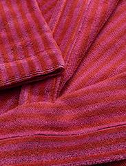 Marimekko Home - SIRO MARI BATHROBE - bathrobes - red, pink - 2