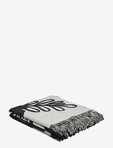 ELÄKÖÖN ELÄMÄ BLANKET - blankets - white, black, green