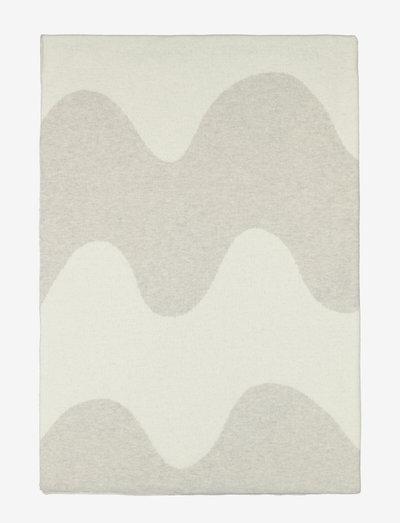 LOKKI KNITTED BLANKET - plaider & sengetæpper - white, beige