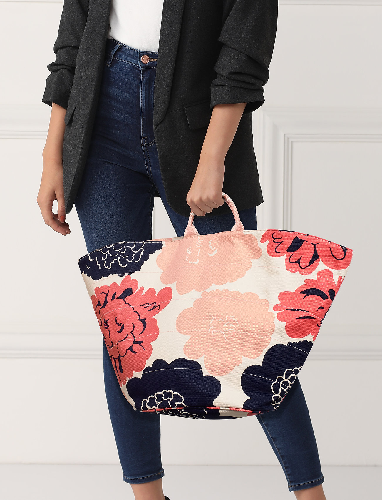 Marimekko ROIMA PIONI Bag - OFF WHITE,CORAL,DARK BLUE