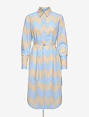 Marimekko - KUULUMINEN PIKKU LOKKI DRESS - midi jurken - blue, sand - 0