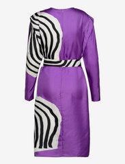 Marimekko - RAUTIAS VUOLU DRESS - cocktailkjoler - violet, off-white, black - 1