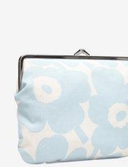Marimekko - PUOLIKAS KUKKARO MINI UNIKKO PURSE - clutches - off white,light blue - 3