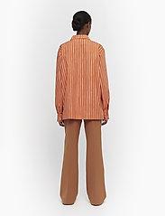 Marimekko - JOKAPOIKA 2017 - chemises à manches longues - beige, orange - 4