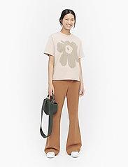 Marimekko - VAIKUTUS UNIKKO T-SHIRT - logo t-shirts - beige, green - 0