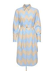 KUULUMINEN PIKKU LOKKI DRESS - BLUE, SAND