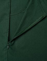 Marimekko - HUOMEN SOLID SHIRT - kortærmede bluser - dark green - 5