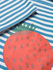 Marimekko - LEIKITTELIT MANSIKKA PLACEMENT SHIRT - langærmede toppe - off white, blue, red - 5