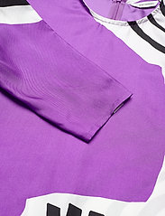 Marimekko - HUMISEE VUOLU SHIRT - langærmede bluser - violet, off-white, black - 2
