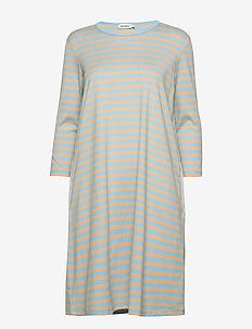 ARETTA DRESS - midi kjoler - light blue, light beige