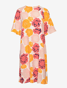 VARISTA PIENI PIONI Dress - midi kjoler - peach, yellow, coral