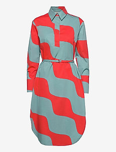 KUULUMINEN TAIFUUNI DRESS - skjortklänningar - turquoise, red