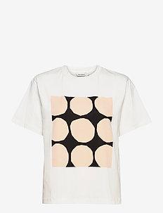 VAIKUTUS KIVET T-SHIRT - t-shirts - off white, black