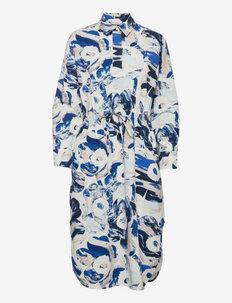 SINILILJA MAISEMA UNIKKO DRESS - alledaagse jurken - off-white, sand, blue