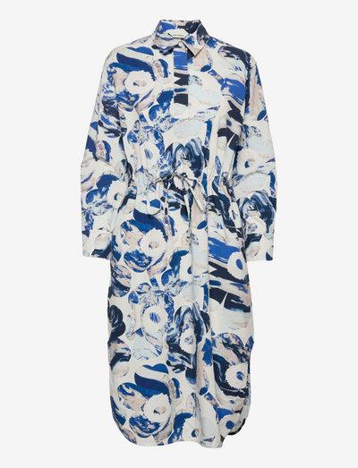 SINILILJA MAISEMA UNIKKO DRESS - hverdagskjoler - off-white, sand, blue