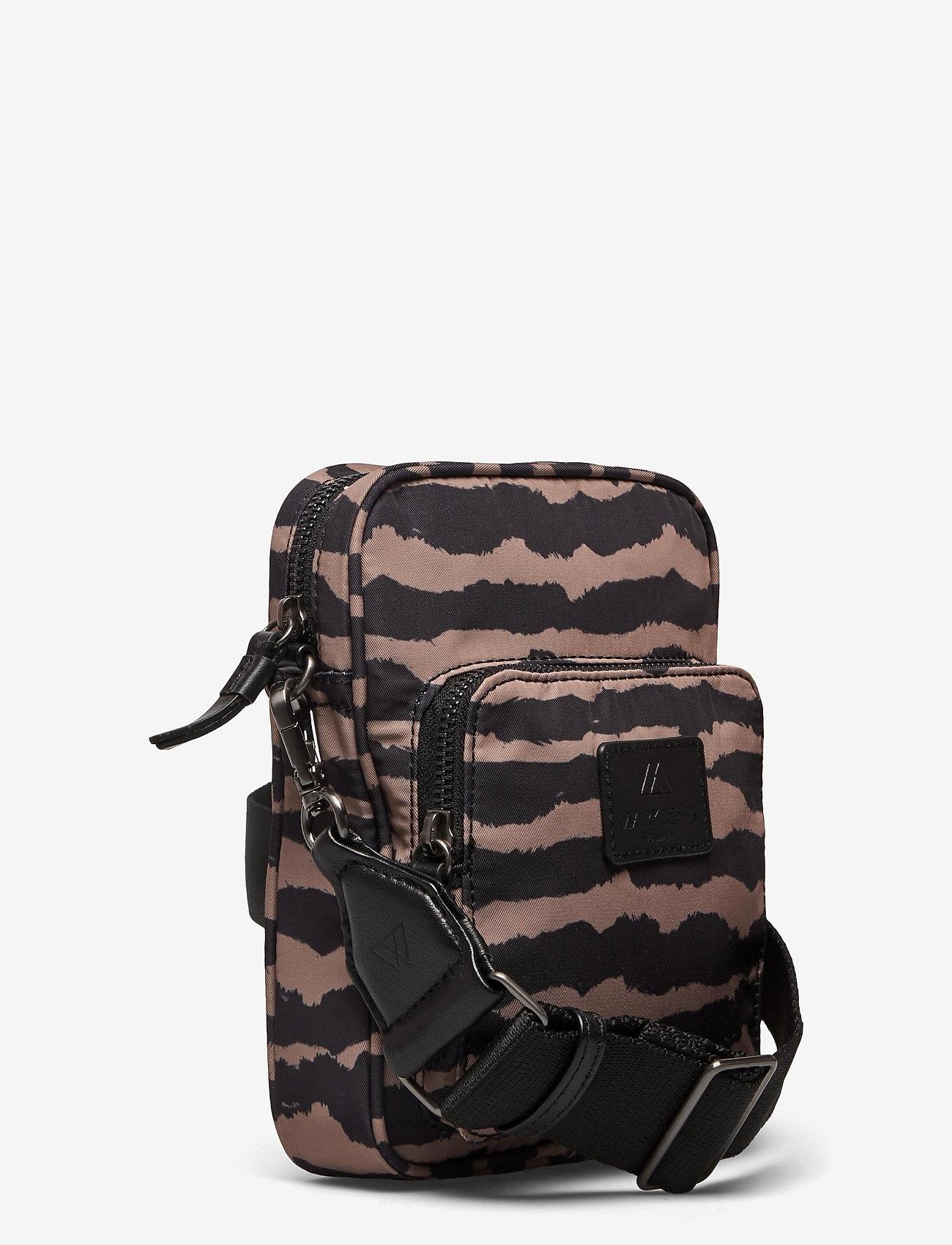 Markberg - Bexley Crossbody Bag - tassen - blurry lines w/black - 2
