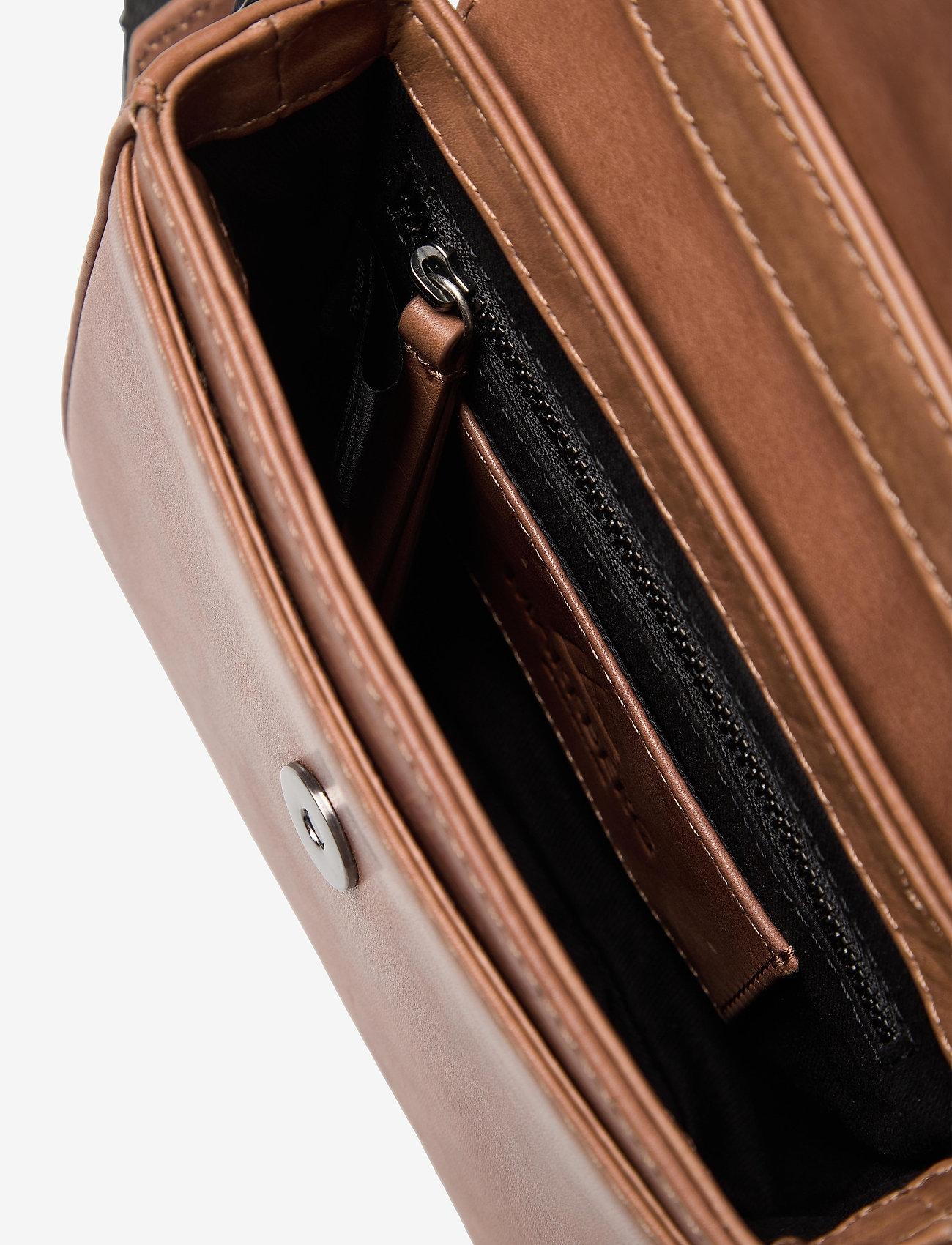 Markberg - Adora Small Crossbody Bag, Ant - tassen - caramel w/black - 4