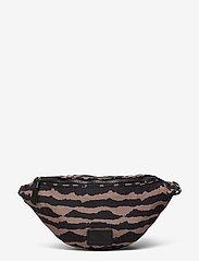 Markberg - Elinor Bum Bag, Recycled - tassen - blurry lines w/black - 0