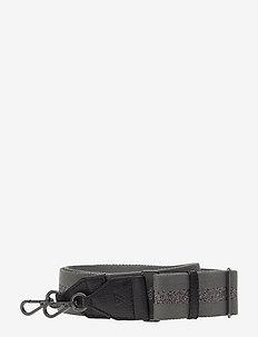 Finley Guitar Strap, Striped - BLACK W/GREY+GUNMETAL